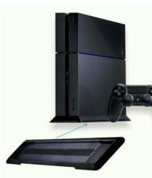 Troco PS4 por moto em bom estado dois controles um fone de ouvido e três jogos
