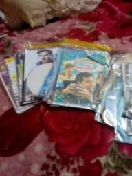 Estou com uma pilha de filmes variados