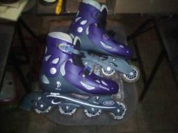 Vendo patins usado uma vez so .chama no zap 094991505662