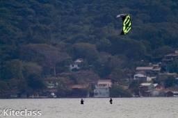 Kite Naish Bolt 12 (2012) + Prancha Wave Sling Shot + Cadeirinha + Leash