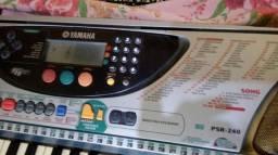 Teclado Yamaha 490.00