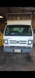Vendo caminhão Volkswagen, modelo: 8.150 delivery plus, motor cummins - 2012