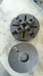 Placas uma de 4 castanhas 210 mm outra liza 210 mm para torno mecanico