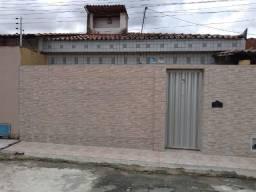 Casa com dois quartos e dois banheiros próximo ao supermercado Ofertão Max