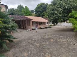 Vendo Chácara/Sítio em Vitória-PE com 2,5 hectares (25000 m²), com nascente e 03 casas