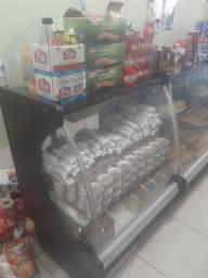 Expositor e caixa de padaria