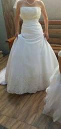 Vendo vestido de noiva tamanho P