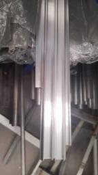Perfil de Alumínio para fixação do plástico e da tela