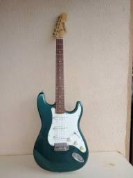 Vendo ótima guitarra modelo antigo menfhis