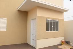 Casa a venda bairro Ipê 2 dorm, em Três Lagoas