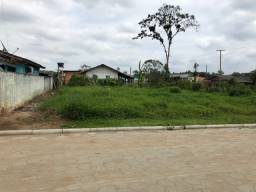 Terreno esquina escriturado no centro de Araquari