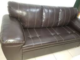 Sofá em couro (Grande ) novíssimo
