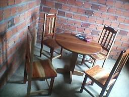 Vendo essa mesa de 4 cadeira  nova