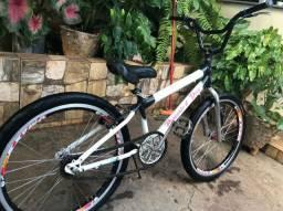 Vendo bicicleta aro 24 R$ 250,00
