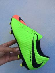 Chuteira Nike Hypervenom Phade 3FG - Laranja e Verde neon