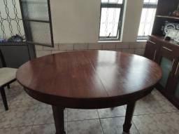 Mesa de madeira maçica