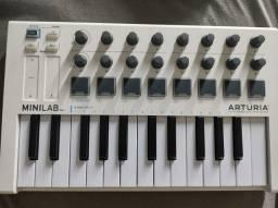 Controlador MIDI arturia