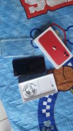 Vendo iPhone 11 (red) 64 gigas 1 mês de uso