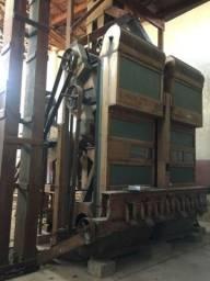Máquina industrial antiga