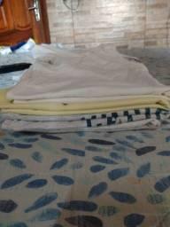 Vendo camisas super conservadas de 12 anos número *