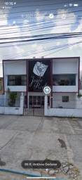 Alugo excelente casa no Farol