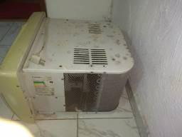 Ar Condicionado Cônsul 7500 BTUs  127 Volts