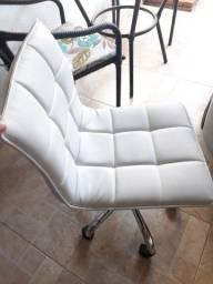 Cadeira de escritório couro branca super nova