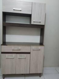 Armário de cozinha pequeno