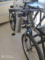 Bicicleta Caloi Aro Grande com cadeirinha
