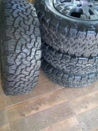 """4 pneus BF Goodrich 215/75/15"""""""