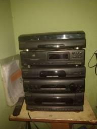 Conjunto Sony com caixas e controle remoto