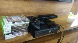 Xbox 360 slim travado + kinekt + 10 jogos originais + 2 manetes originais + HD 250
