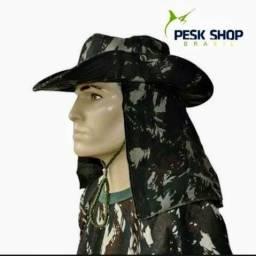 Chapéu camuflado com protetor
