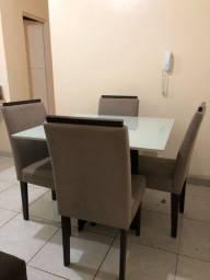 Mesa com 4 cadeiras 850
