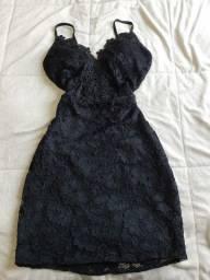 Dois vestidos e um conjunto.