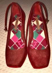 Sapato Melissa veludo vermelho salto alto 35