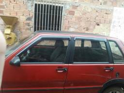 Vendo este carro no valor de 8500