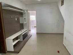 Lindo apartamento Na Quadra 6 no Varjão do Torto na rua principal 2.200