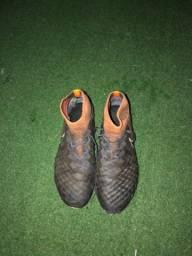 Chuteira Nike Magista profissional - usada