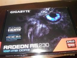 Placa de vídeo Radeon r5 230 1gb