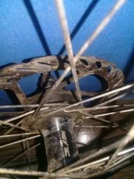 Vendo roda dianteira vai com o disco de freio