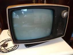 TV Philco-Ford super antiga. Artigo de colecionador