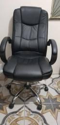 Cadeira Presidente em couro pu Pelegrin pel-2053