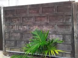 Conjunto de porta e portão