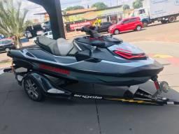 Jet ski RXT - X 300HP