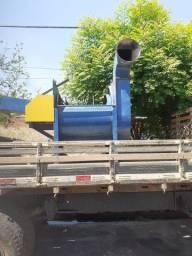 Máquina de bater pallha de carnaúba + caminhão d60 ano 77