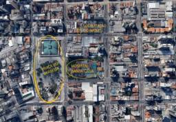 Amplo terreno localizado ao Centro de Curitiba a 1 quadra da Praça Rui Barbosa, próximo a