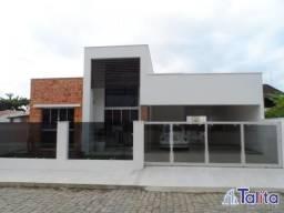 Casa com piscina a 350 metro no mar em Armação - Penha