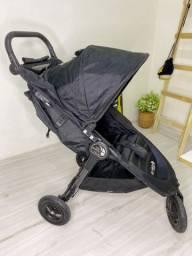 Carrinho de Bebê c/ Bebê Conforto Baby Jogguer