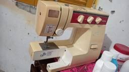 Vende se está máquina de costura